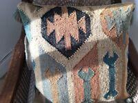4 Beautiful cuchions new unused mixture of sea grass & wool Aztec design