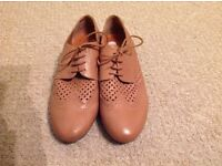 Size 9, Hotter brogue shoes, like new.