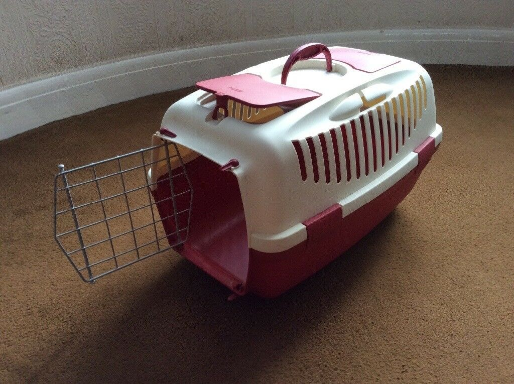 Pet carrier - Excellent condition, suitable for small animals