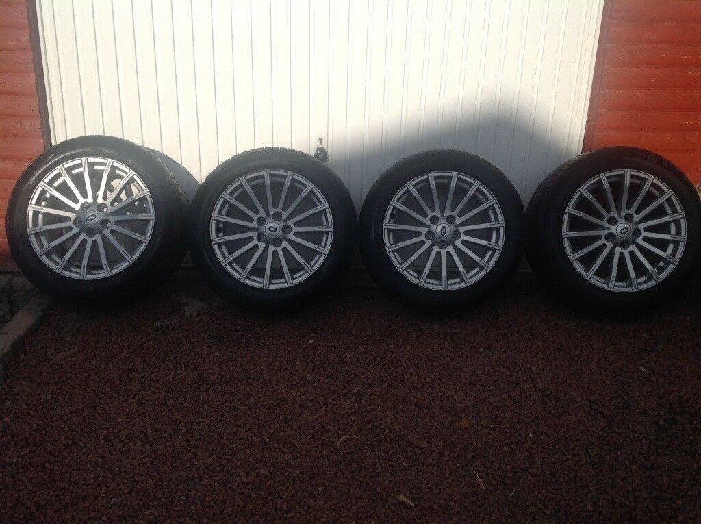 Range Rover wheels and tyres
