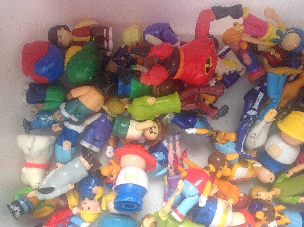 Mixed lot of play characters