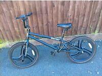 Boys Stunt Bike (Used)