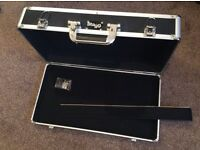 Pedal board with lockable lid