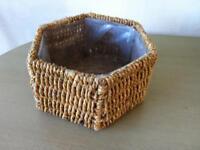 Wicker plant basket 2 ornamental dishes plus kitchen fruit bowl