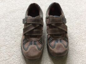 Clarks Boys Brown Nubuck Shoes 11 1/2 F
