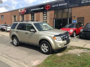 2010 Ford Escape XLT   LEATHER   HEATED SEATS