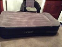 Intex Deluxe Pillow Rest Raised Air Bed Single Size inc Pump