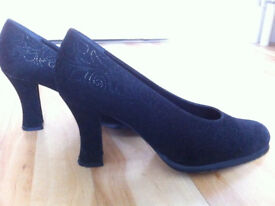 Hobbs Black embossed evening shoes Size 40.5