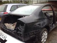 VW passat 2liter tdi 2007 breaking all parts available