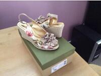Ladies Hotter canvas sandals