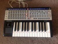 Novation 25 Sl midi keyboard/ controller