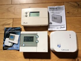 Salus RT500 digital wireless 7 day programmable room thermostat and receiver unit