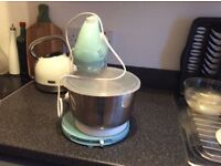 Brand new used once food mixer with instructions and bread hooks