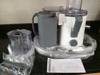 centrifugal Kenwood juicer JE720 700w