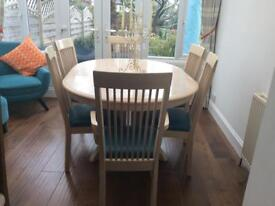 Extendable Oval Dining Room Table with 4 Standard Chairs and 2 Carvers