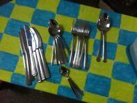 21 piece cutlery set.