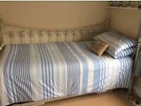 White Versailles day bed & trundle