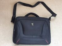 Laptop bag in excellent condition, barely used