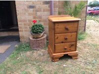 SINGLE CHUNKY SOLID PINE 3 DRAWER BEDSIDE CABINET