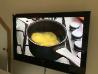 "Samsung 42"" colour tv with wall mounting bracket"