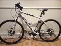Cannondale quick cx 2 Hybrid bike