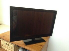 "24"" Sandstrom TV with DVD Player"