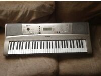 YAMAHA KEYBOARD WITH STAGG KTC100 CASE