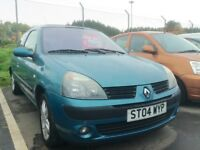 2004 Renault Clio 1.1 full year mot ideal first time car