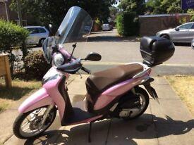 Great little commuter - Honda SH Mode Scooter