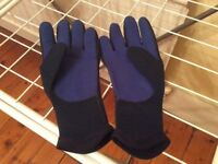 Typhoon 3mm Neoprene Diving gloves/ wetsuit gloves. Size XS.