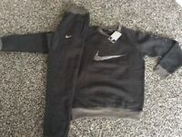 BRAND NEW ADULT NIKE TRACKSUITS SIZES S,M,L,XL