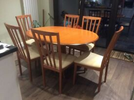 Extending dining table with chairs (4-6 seater)