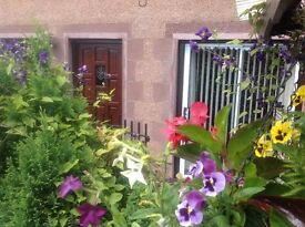 Self catering holiday rental sleep 2 - 4 persons close to Glamis, Blair and Dunnotar Castle