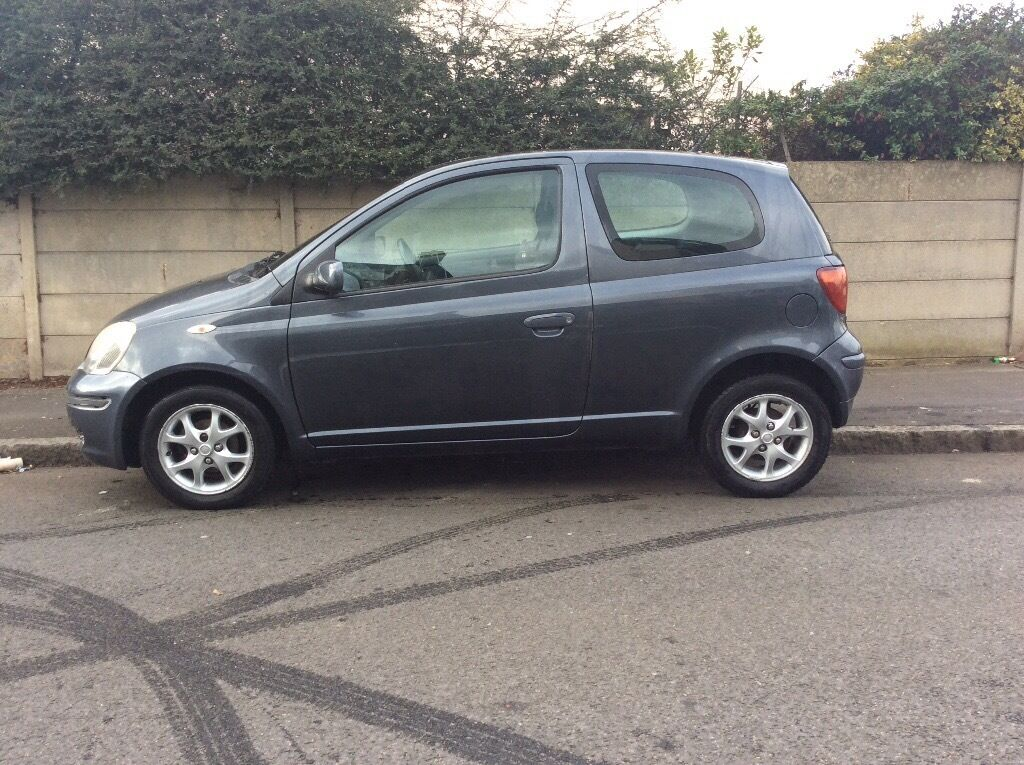 toyota yaris 2005 3 door blue 1298cc in romford london gumtree. Black Bedroom Furniture Sets. Home Design Ideas