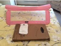 Children's pink bed guard in perfect condition