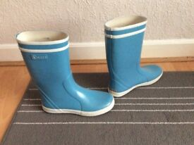 Aigle girls wellingtons size 2