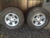Landrover defender boost alloys with tyres x2