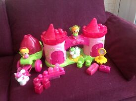 Mega Blocks pink princess castle with carriage