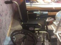 Wheelchair and pressure cushion