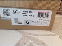 UGG Boots Mini Bailey Bows size 4.5 Brand new