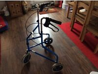 FOLDING MOBILITY WALKER WITH WHEELS