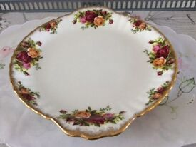 Royal Albert Bone China Cake Plate. Old Country Roses. 1st Quality.