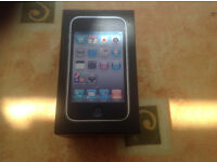 apple 3gs mobile phone complete with box & accessories