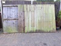 4 Fence Panels
