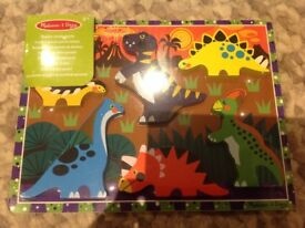 BNIP Melissa & Doug wooden chunky dinosaur puzzle, pictures under pieces, 2+ years
