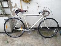 Vintage Raleigh push bike (fixer upper!!)