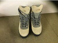 Size 4 north face female hill walking boots. Worn once. Very good condition.