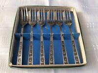 6 Cake Forks in original Box.