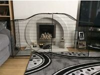 Fire guard in mat black folds down will fit in car great for keeping toddlers away good condition