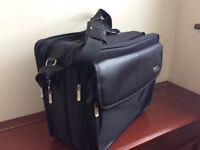 Targus Executive style Laptop bag Good Condition (Used)